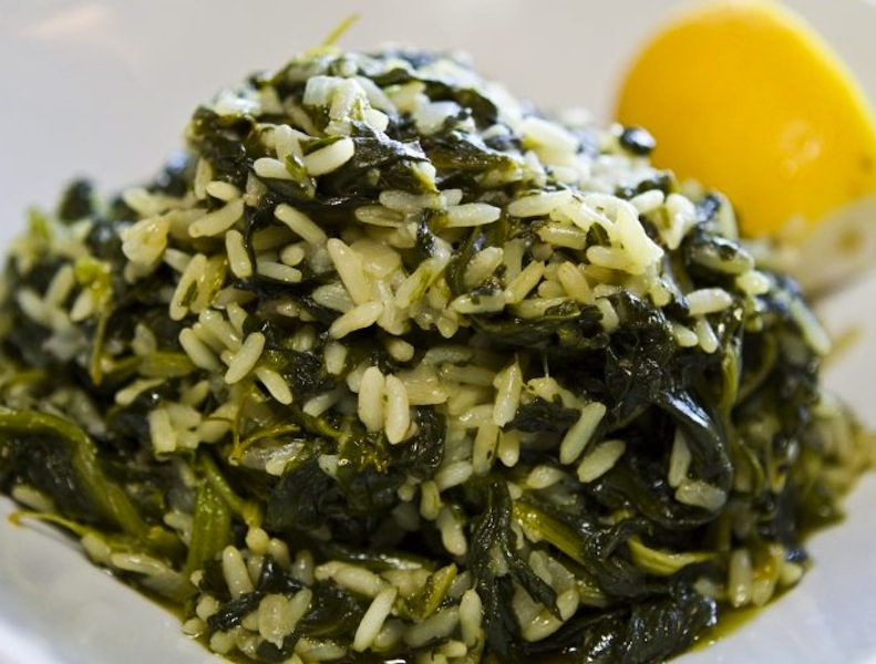 Greek spinach rice (spanakorizo) - Oliveology Greek Extra Virgin Olive ...