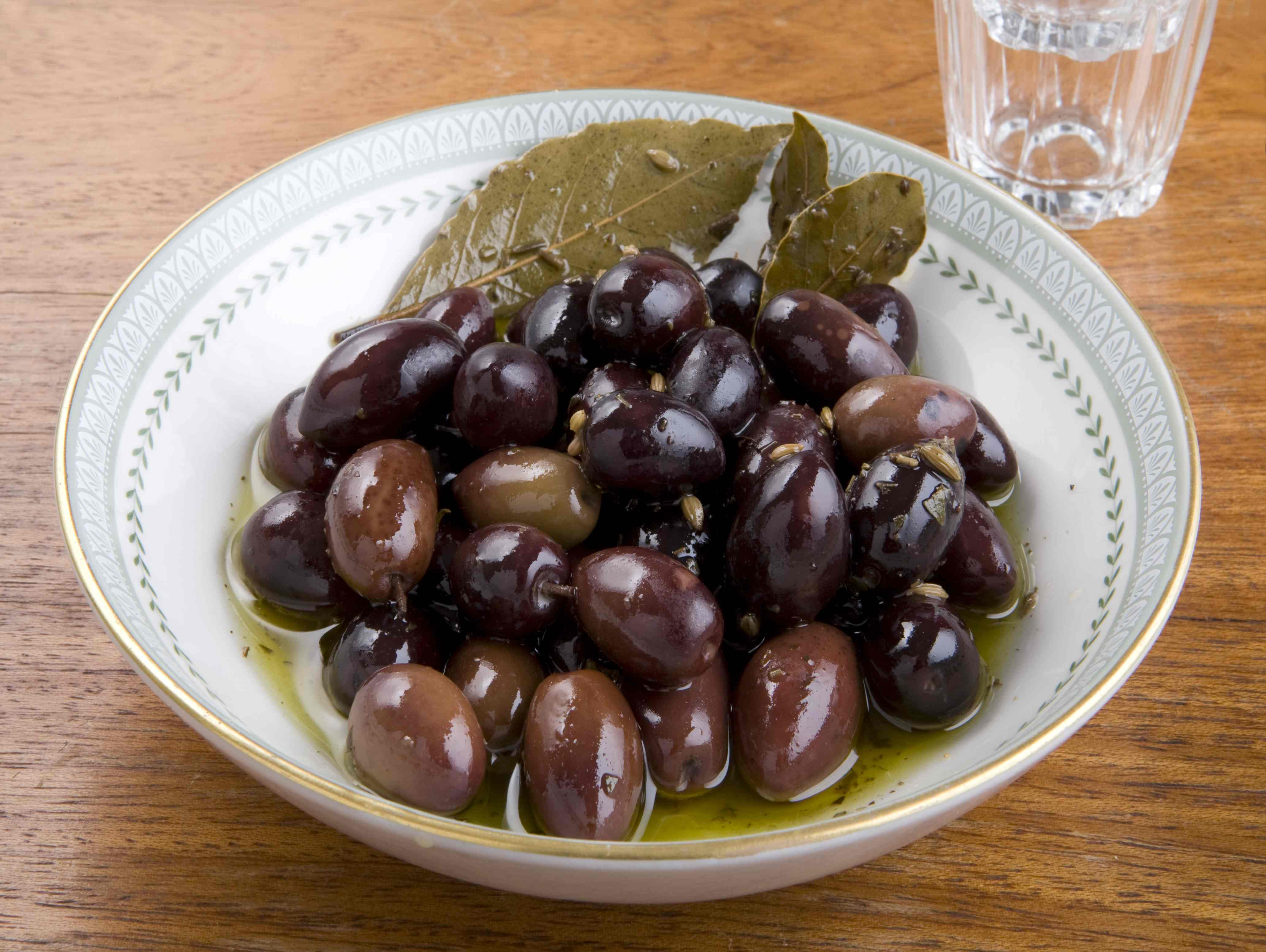 how to tell if kalamata olives are bad