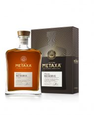Metaxa-Photo–METAXA Private Reserve – GB Angled + Decanter